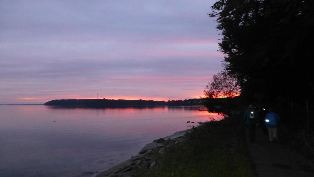 Dem Sonnenaufgang entgegen (Foto: Gerd Andresen)